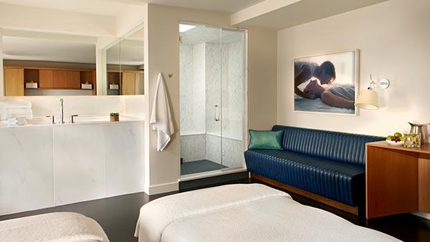 Cincinnati Hotels With Jacuzzi Tub In Room